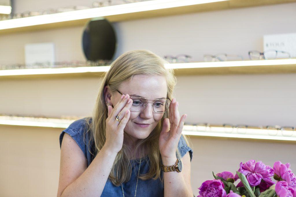 Przymiarki wybranych opraw okularowych