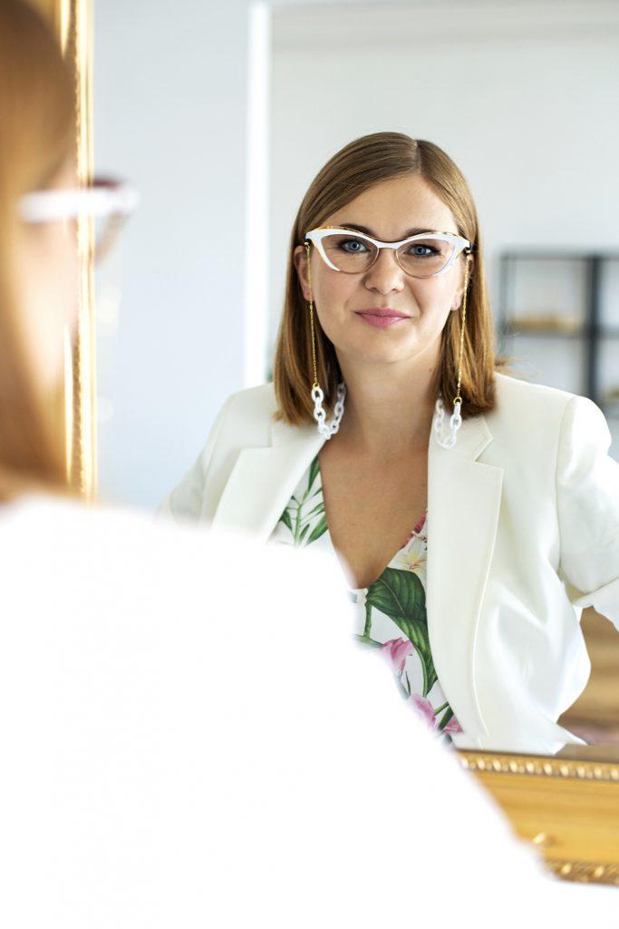 Białe okulary damskie